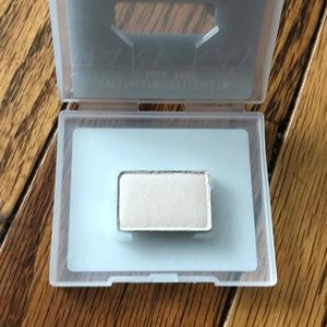 Mary Kay Mineral Eye Color - Crystaline